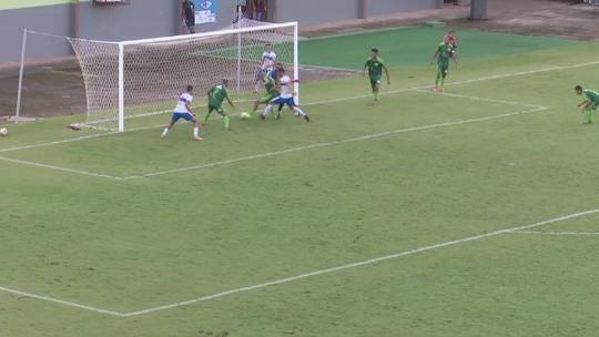 Bola por baixo das pernas do goleiro marca gol decisivo em semi do 2º turno do Acreano; vídeo