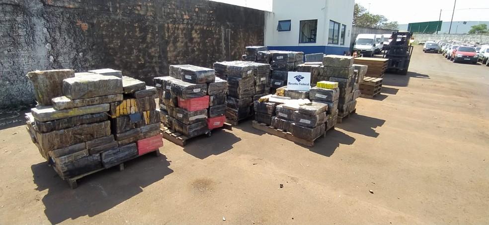 3,4 toneladas de droga foram apreendidas, em Cascavel — Foto: Sidney Trindade/RPC