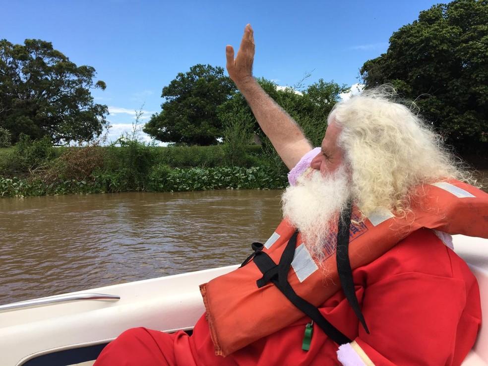 Historiador se transforma no Papai Noel Pantaneiro no Natal — Foto: José Pereira/ TVCA