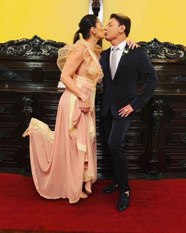 Adriane Galisteu e David Brazil (Foto: Reprodução/Instagram)