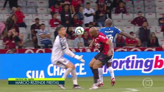 Melhores momentos, grandes defesas e gol anulado de Athletico x Cruzeiro