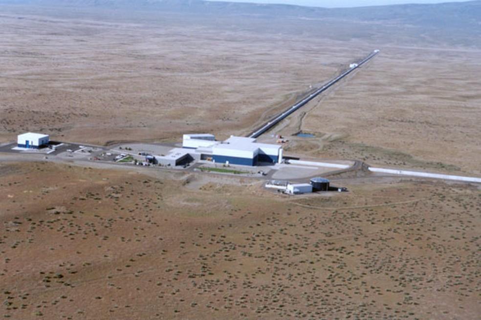 Imagem aérea do laboratório Ligo, na Califórnia (Foto: Ligo/Divulgação)