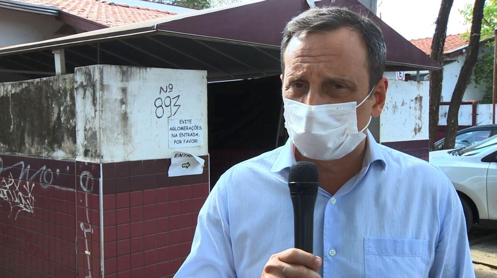 Panfletagem, encontro sobre causa animal e bate-papo em comércios: o dia dos candidatos a prefeito em Campinas