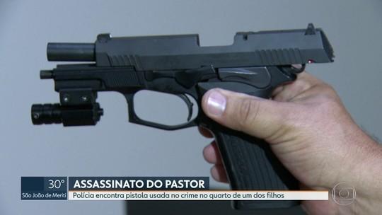 Polícia encontra pistola usada no assassinato do pastor no quarto de um dos filhos