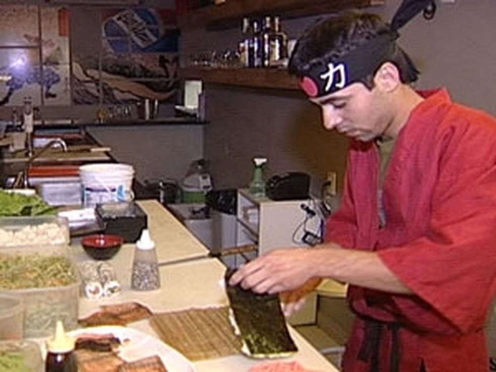 Tem vaga para sushiman em Birigui (Foto: Reprodução/TV Integração)