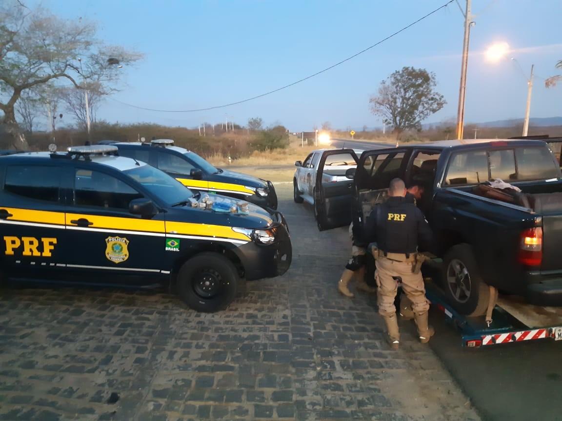 Casal é detido suspeito de transportar mais de 15 kg de drogas, no Sertão da Paraíba