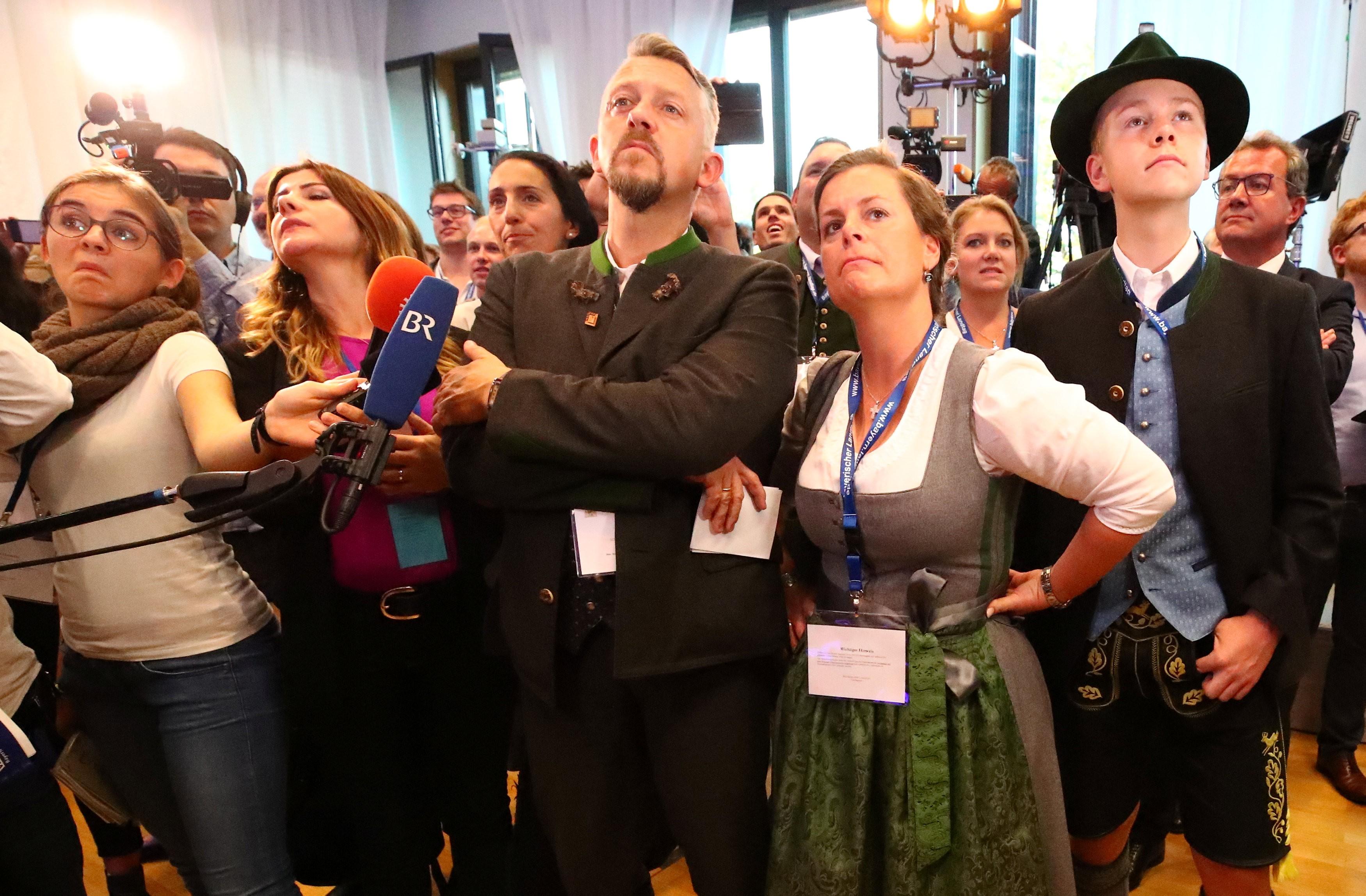 Partido aliado de Merkel perde maioria absoluta no Parlamento da Baviera, aponta boca de urna