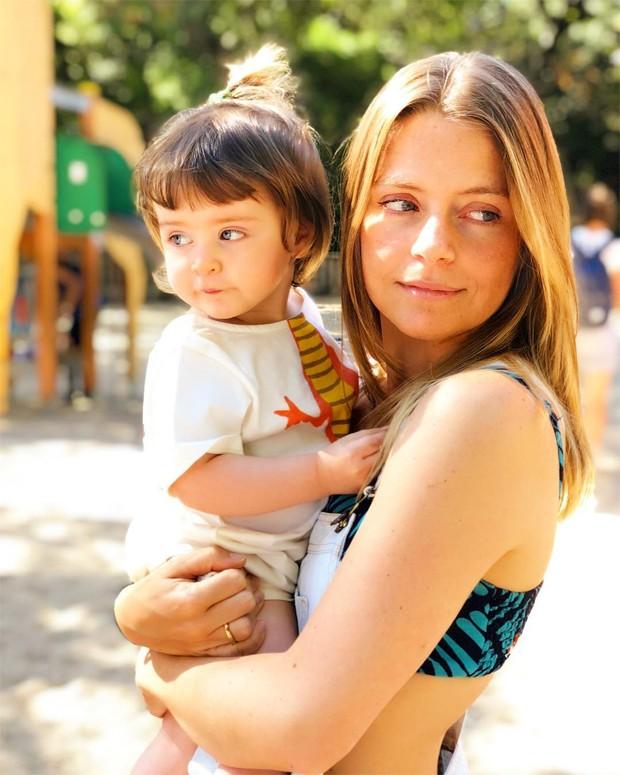 Vitória Frate e a filha, Carolina (Foto: Reprodução / Instagram)