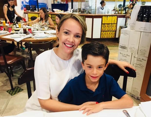 Paula comemorando o aniversário de 7 anos de João (Foto: Arquivo pessoal)