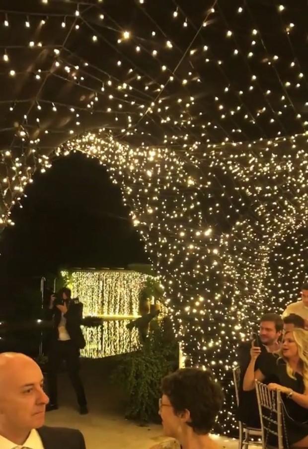 Casamento Chiara Ferragni e Fedez: Decoração com luzes nas árvores (Foto: Instagram/Reprodução)
