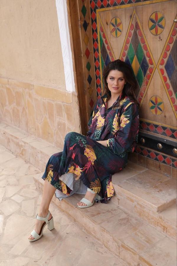 Isabeli Fontana está na Arábia Saudita (Foto: Patrick Sawaya)