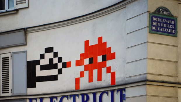 Intervenção urbana de Space Invader