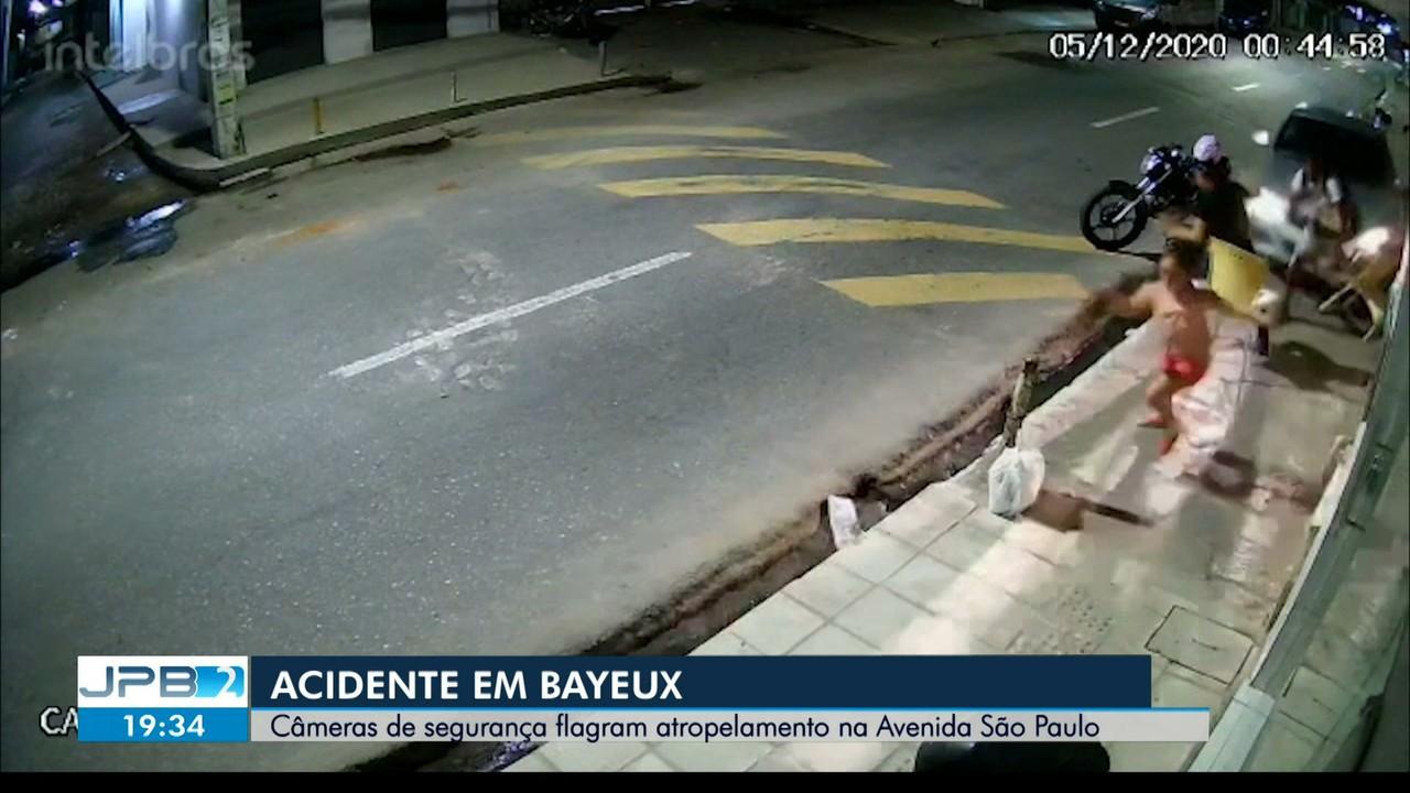 Homem invade calçada, provoca grave acidente e atropela pessoas, em Bayeux