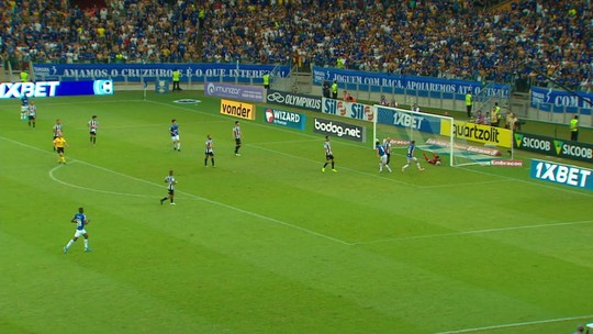 Análise: Abel Braga abre mão da velocidade, insiste em medalhões, e Cruzeiro piora rendimento