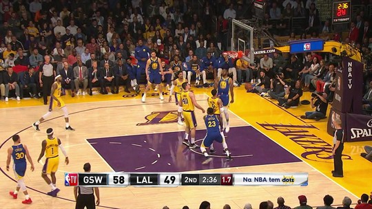 Klay Thompson brilha em massacre do Golden State Warriors sobre o Los Angeles Lakers