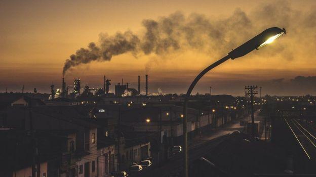 BBC - Não há como fugir dos riscos da poluição do ar, diz Saldiva (Foto: Getty Images via BBC News)