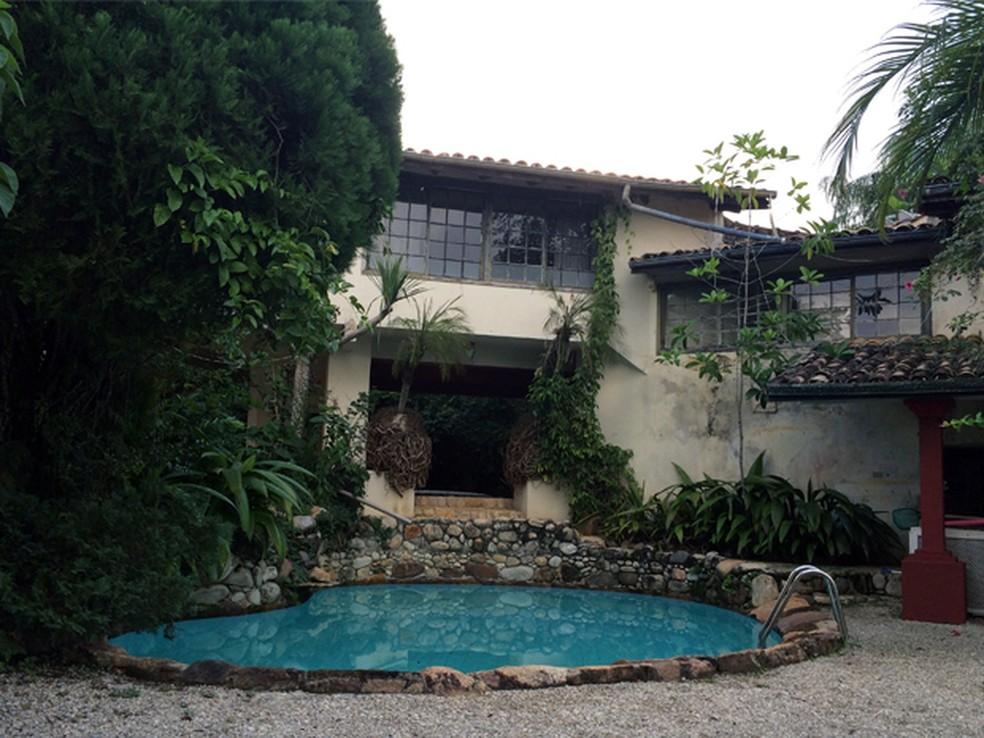 Casa que perteceu a Clodovil foi vendida em leilão (Foto: Carlos Santos/G1)