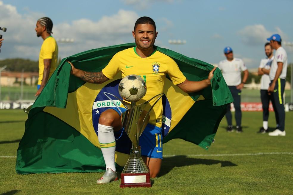 Jogador de MG com carreira em Portugal é convocado para amistosos ...