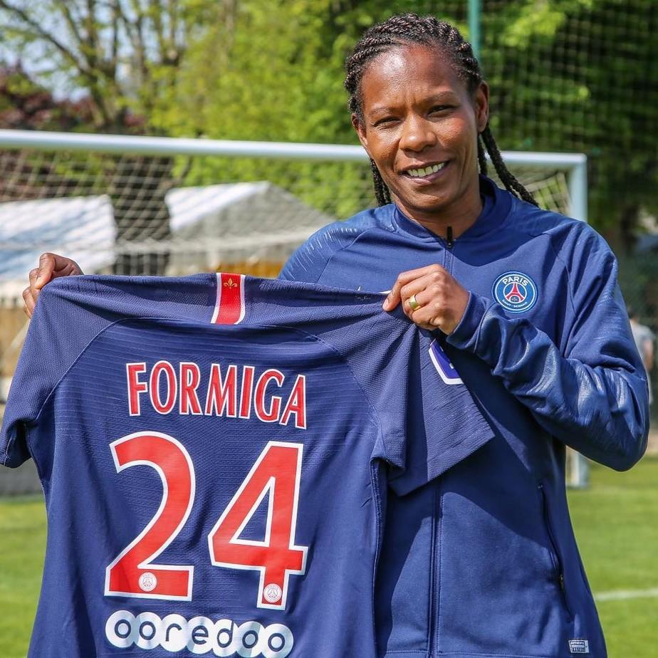 Aos 41 anos, Formiga renova com o Paris Saint-Germain até 2020