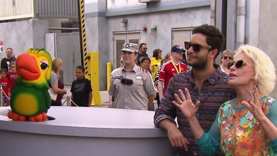 Ana Maria Braga e Rainer Cadete curtem simulador 3D dos Transformers