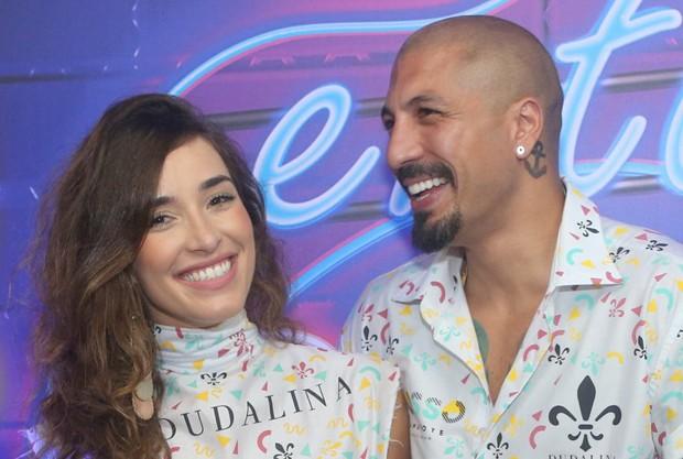 Fernando Medeiros e Carol Alves (Foto: RT Fotografia/ Brazil News/ CS Eventos Divulgacao)