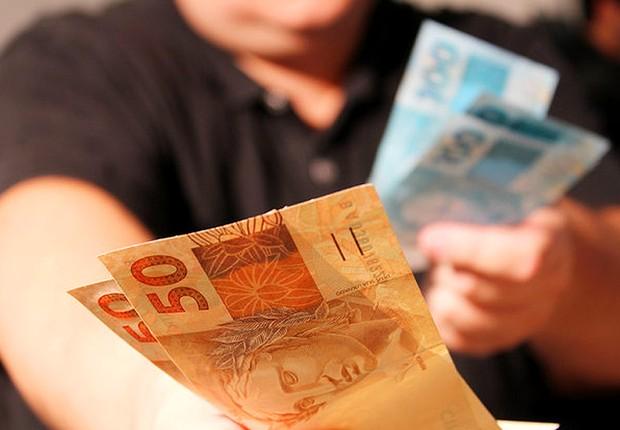 Crédito ; dinheiro ; pagar dívidas ; inadimplência ; contas atrasadas ; real ;  (Foto: Agência Brasil/Arquivo)