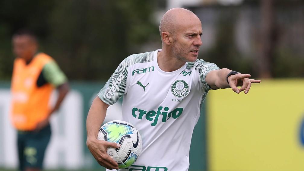 Vitor Castanheira, auxiliar do Palmeiras — Foto: Cesar Greco / Ag. Palmeiras