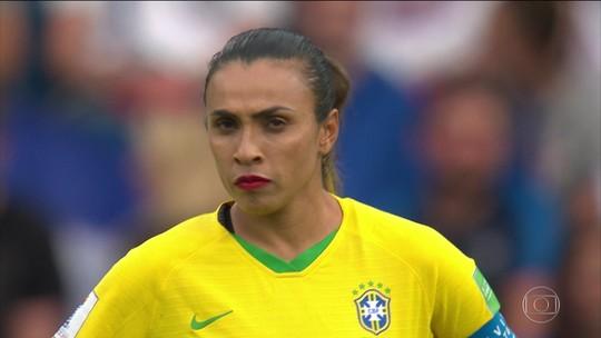 Brasil tem boa exibição, mas é eliminado pela França na Copa do Mundo de futebol feminino