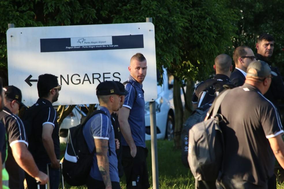 Paulo Victor é um dos principais alvos da torcida — Foto: Lucas Bubols / GloboEsporte.com