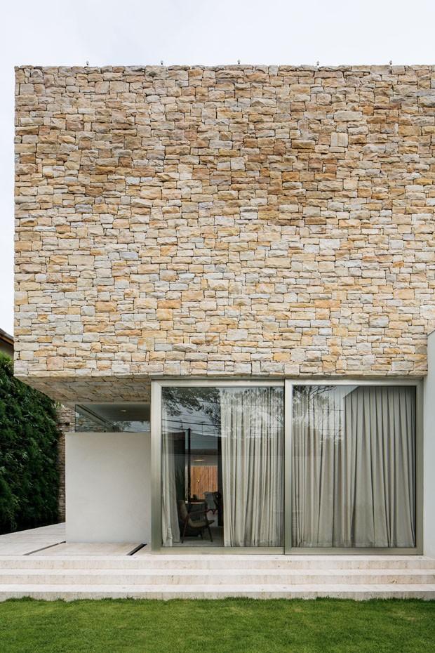 Casa moderna, sofisticada e integrada (Foto: simone mantovani¶2013)