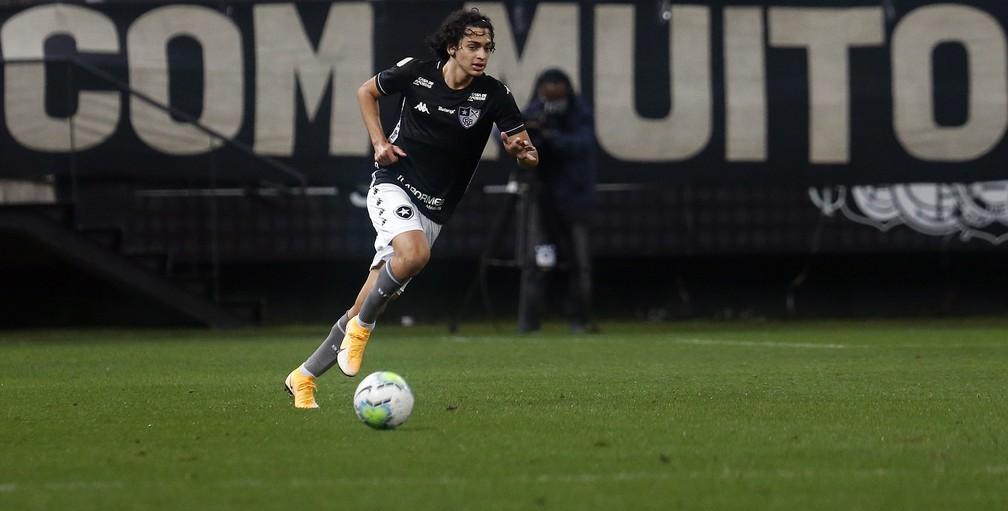 Matheus Nascimento estreou pelo Botafogo contra o Corinthians  — Foto: Vitor Silva/Botafogo