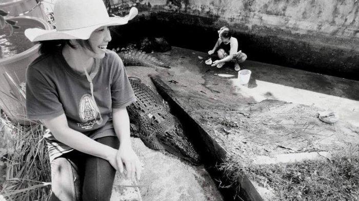 A pesquisadora Deasy Tuwo, de 44 anos, morreu ao ser atacada por um crocodilo (Foto: Reprodução/Facebook)