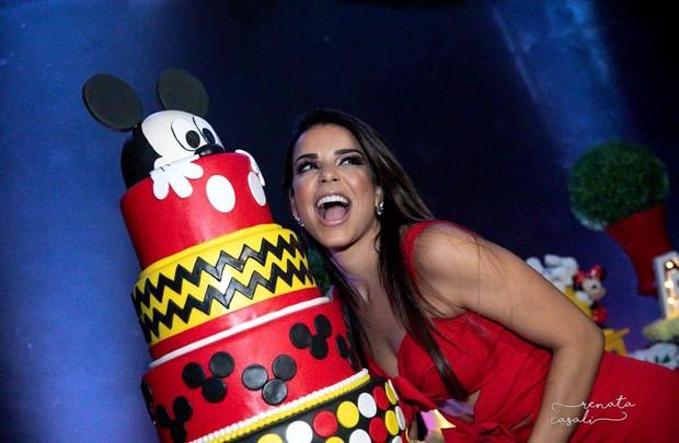 Aniversário de 32 anos de Mari Antunes, do Babado Novo (Foto: Renata Casali/Divulgação)