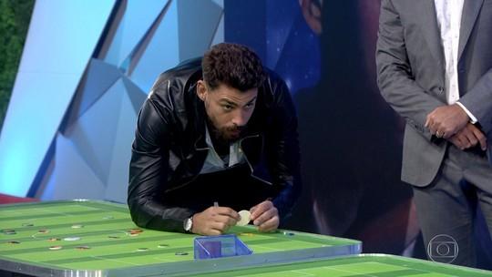 Cauã Reymond encara o 'Tá de Brincadeira' e conta sobre novo filme