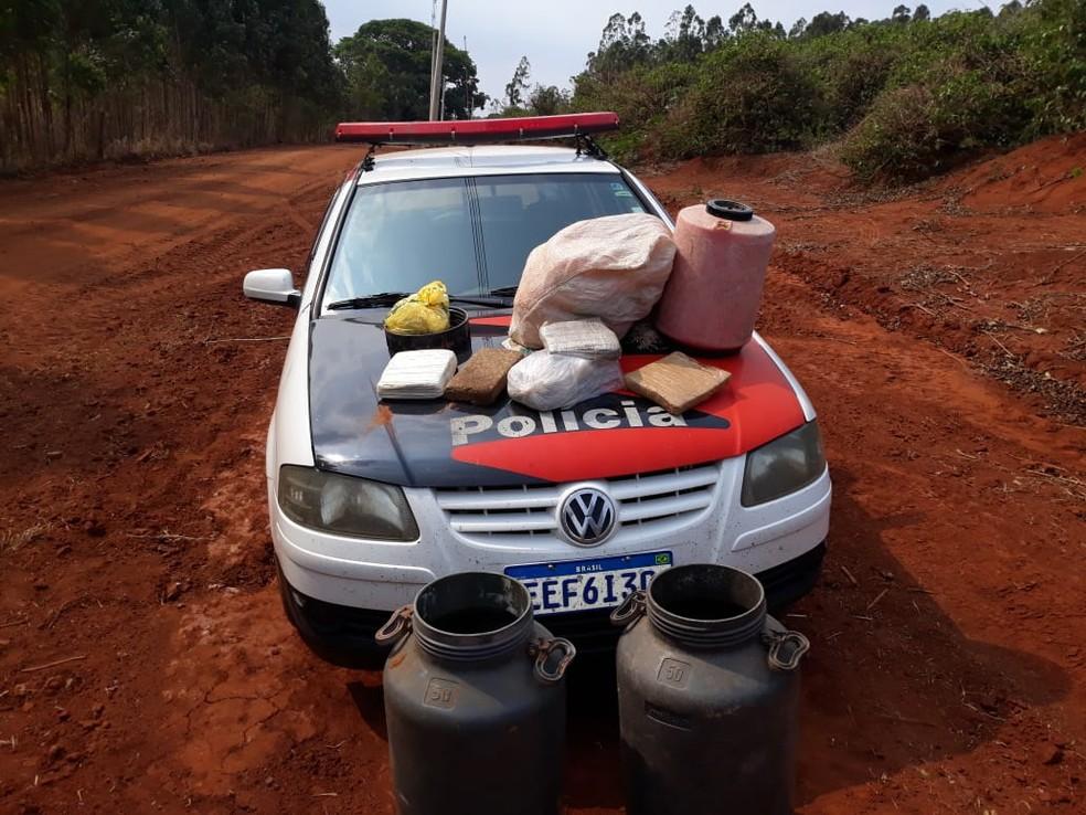 Drogas e materiais foram apreendidos nesta quinta-feira (30) em Manduri — Foto: Polícia Civil/Divulgação