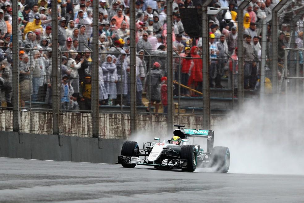 Lewis Hamilton durante o GP do Brasil de Fórmula 1 2016 — Foto: Clive Mason/Getty Images