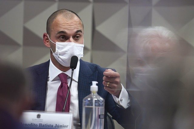 Diretor da Prevent Senior pede que médico ameace repórter para evitar que matéria sobre operadora fosse ao ar; ouça a conversa
