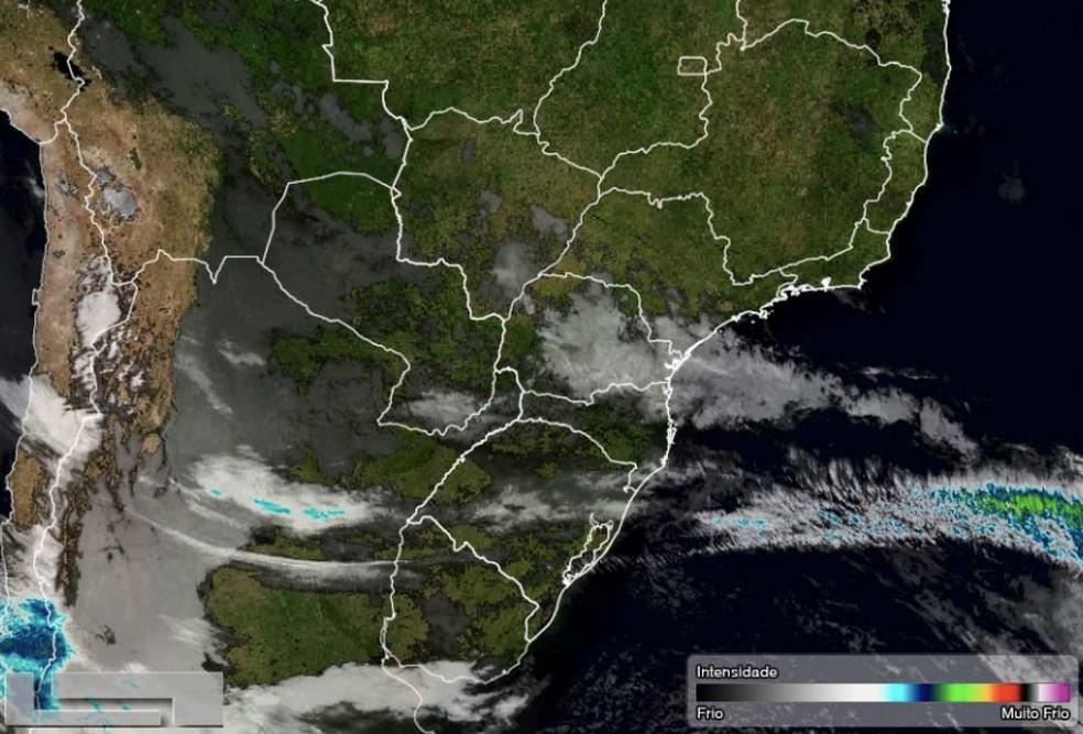 Ciclone que se forma no Oceano Atlântico é menos intenso — Foto: Divulgação/Simepar