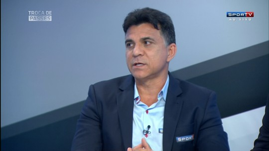 Ricardo Rocha critica Vasco por usar muitos jogadores acima dos 30 anos