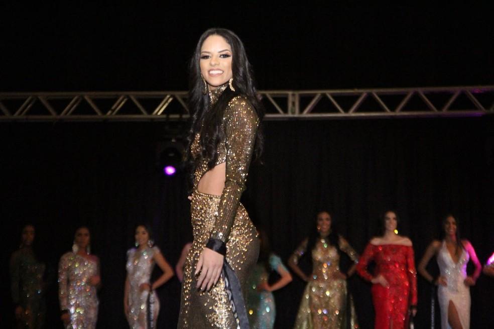 Pamela Priscila Ferreira ganhou o título de 'Miss Popularidade' (Foto: Rickardo Marques/G1 AM)
