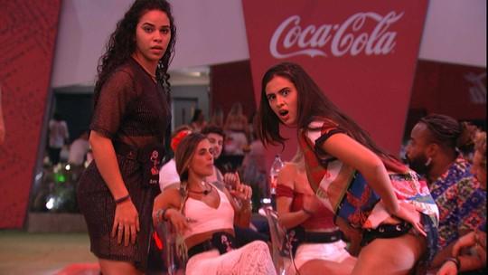 Hana ensina sisters a dançar o 'quadradinho'