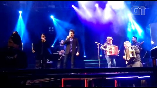 Sanfoneiro mirim 'invade' show do cantor Daniel e toca clássicos do sertanejo em Urânia;vídeo