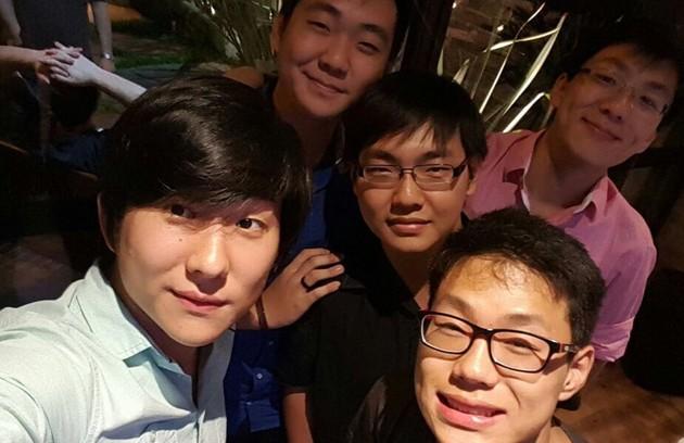 Pyong e Thiago (na frente) com seus outros irmãos, Alan, Ale e Felipe (Foto: Reprodução/Instagram)