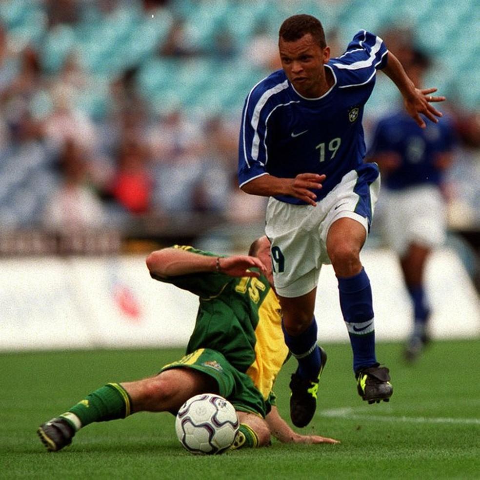 Warley atuou na seleção olímpica entre 1999 e 2001 (Foto: Getty Imagens)