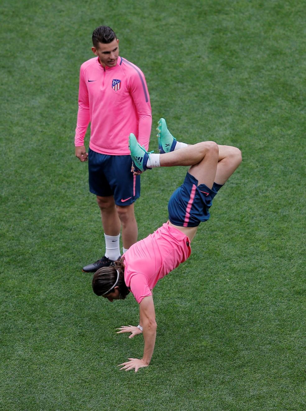 Filipe Luis está recuperado de lesão, mas ainda não tem presença certa no Atlético de Madrid x Olympique de Marselha (Foto: Vincent Kessler / Reuters)