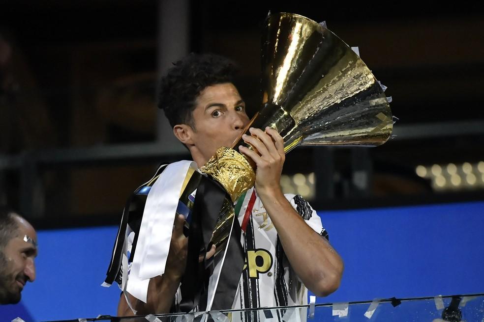 Cristiano Ronaldo conquistou duas vezes o Campeonato Italiano na Juventus — Foto: Getty Images
