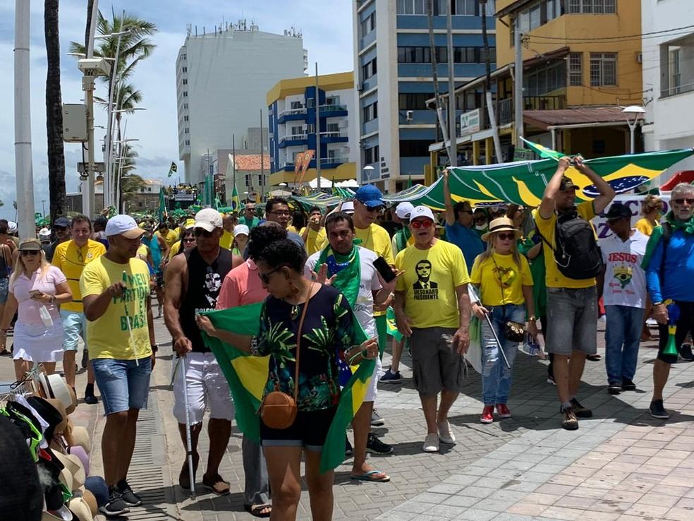 Ato pró-governo em Salvador — Foto: Victor Silveira/TV Bahia