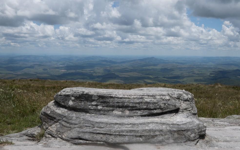 Parque Estadual do Ibitipoca - Pico da Lombada é o ponto mais alto do parque e um dos atrativos do Circuito Janela do Céu — Foto: Dimas Stephan/G1