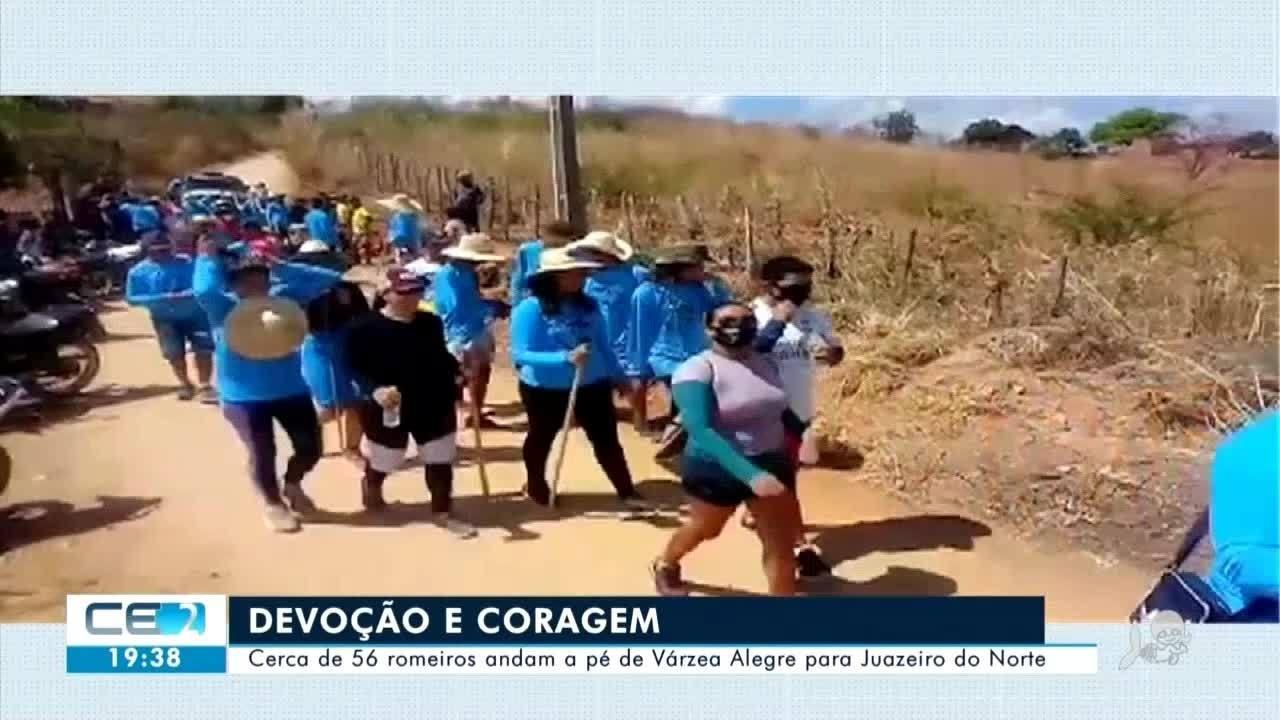 Romeiros estão vindo a pé de Várzea Alegre para Juazeiro do Norte