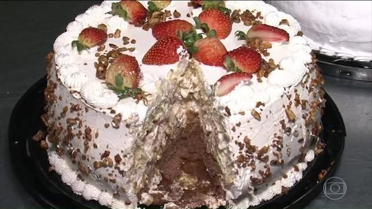 Prefeita de Quedas do Iguaçu (PR) é cassada após compra de 6,5 toneladas de bolos